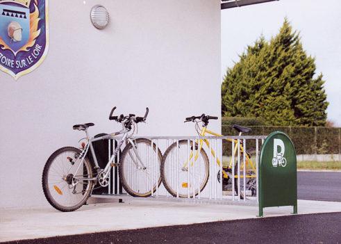 Aparcar tu bicicleta en un aparca-bici tipo muelle