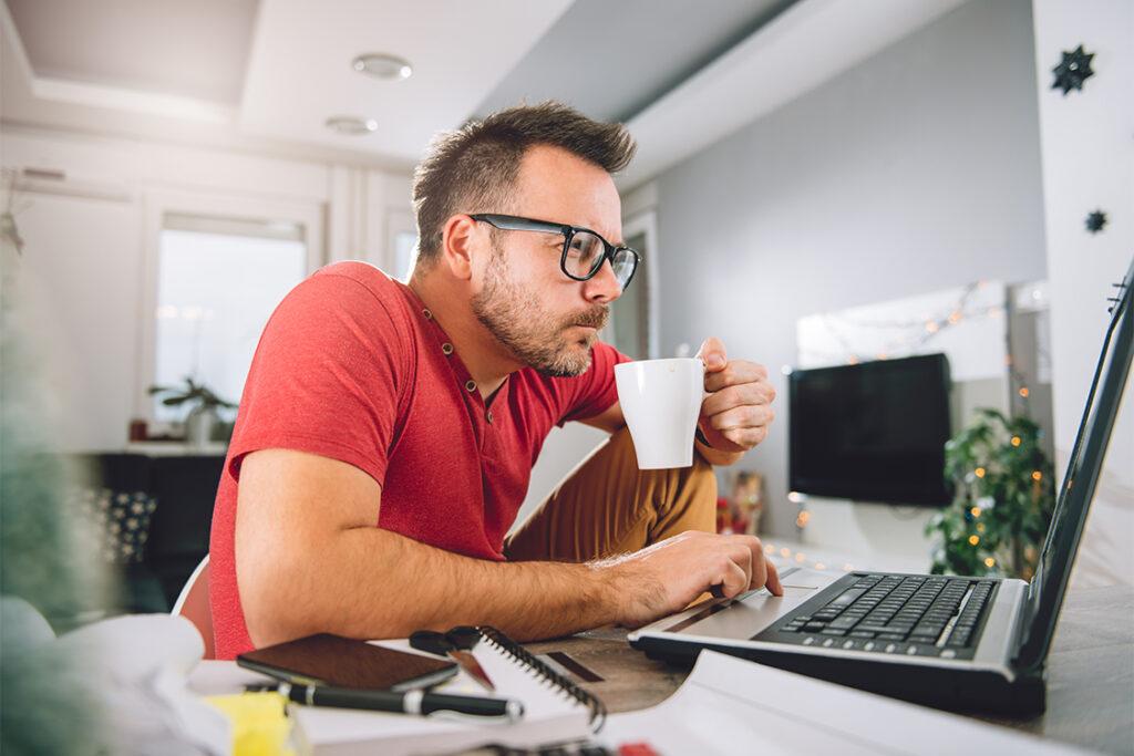 café en el beneficios del teletrabajo